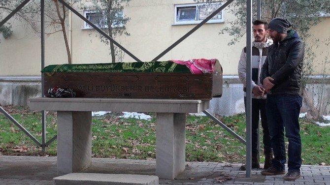 Ayrılmak İstediği Eşi Tarafından Öldürülen Genç Gelin Defnedildi