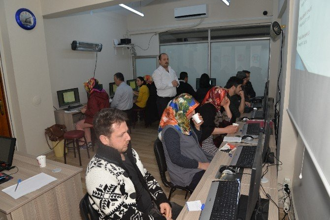 Bilecik Belediyesi Bilgi Evi'nde ''Bilgisayar Kullanımı'' Kursları Devam Ediyor