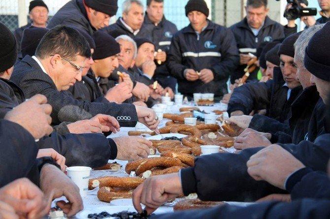 Başkan Subaşıoğlu, Fen İşleri Çalışanları İle Kahvaltı Yaptı