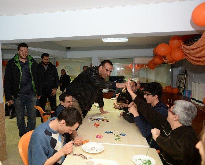 Bursasporlu Basketbolculardan Obam'a Moral Ziyareti