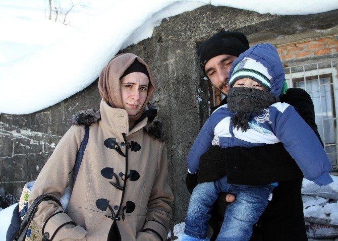 Astım Hastası Babaanne Ve Torununa Kar Ambulansı Yetişti