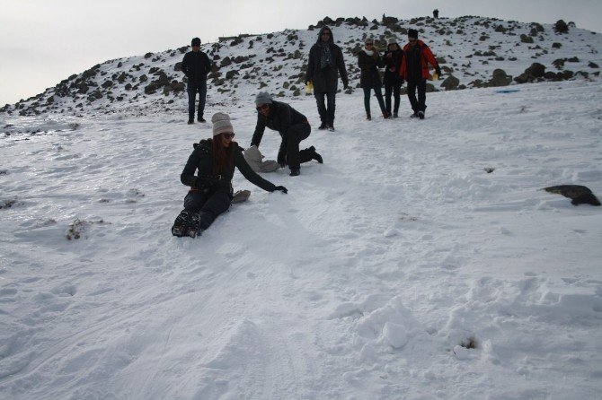 Şanlıurfalı Dağcılar Karacadağ'a Tırmandı