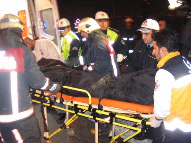 TEM'de emniyet şeridi faciası: 1 ölü 17 yaralı