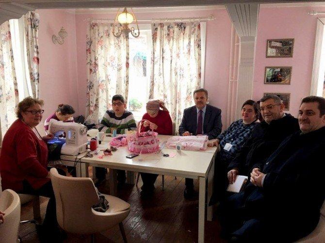 Vali Kahraman, İstanbul - Eyüp Belediyesi Şeker Hayat Atölyesini Ziyaret Etti