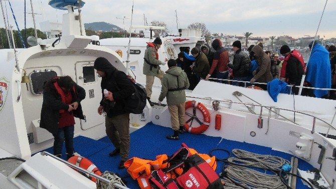 Sahil Güvenlik Ekipleri Boğulmak Üzere Olan 31 Mülteciyi Son Anda Kurtardı