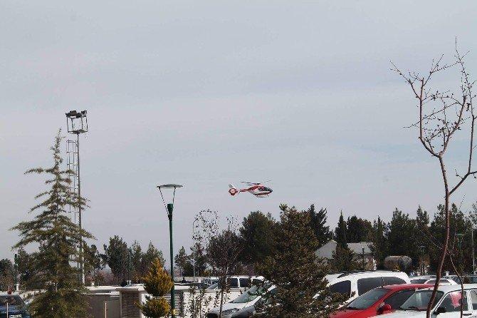Erken Doğan Bebek Helikopter Ambulansla Götürüldü