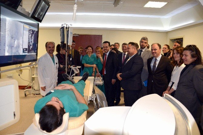 ADÜ Hastanesinde Nöro Anjiyo Cihazı Hizmete Girdi