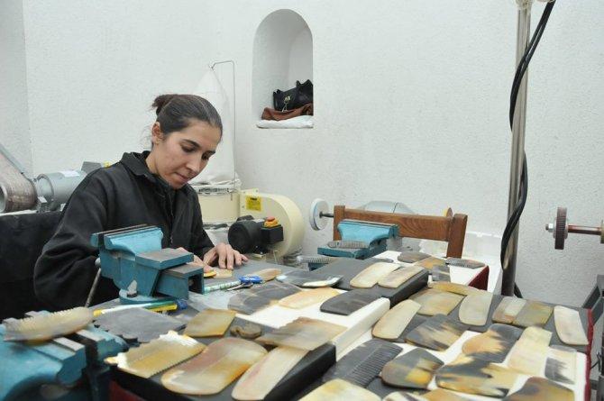 Tarihi Taş Medrese'de el sanatları ilgi görüyor