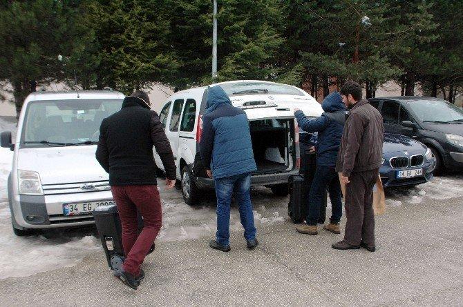 Bolu'da 5 Akademisyen Gözaltına Alındı