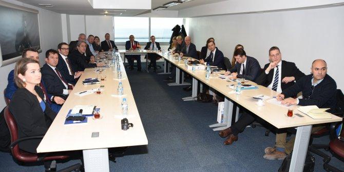 Almanlar, İzmir'de rüzgar enerjisi potansiyeli hakkında bilgi aldı