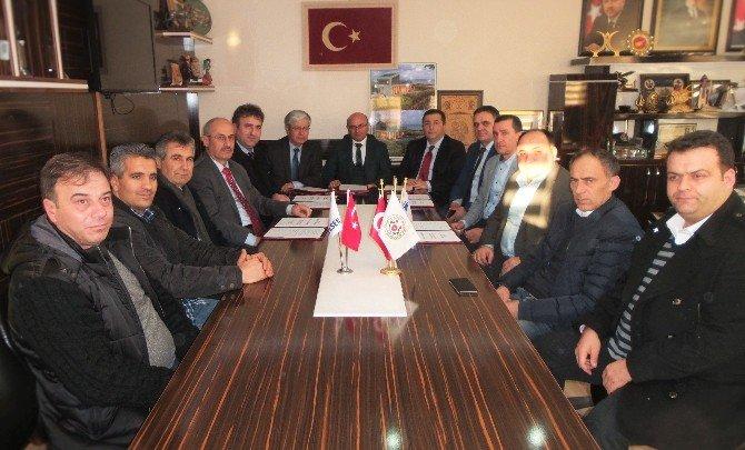 Altınova Belediyesi'nde Sözleşme Sevinci