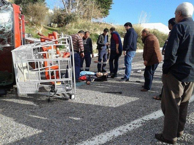 Bozyazı'da İtfaiye Aracı Devrildi: 3 Yaralı