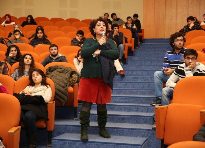 Doktorlar adaylarına 'sağlık ve medya okuryazarlığı' dersi verildi