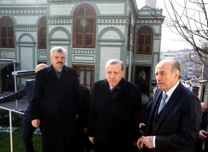 Erdoğan: (HDP'li vekiller) Bunlar terör örgütüne uşaklık yapıyor