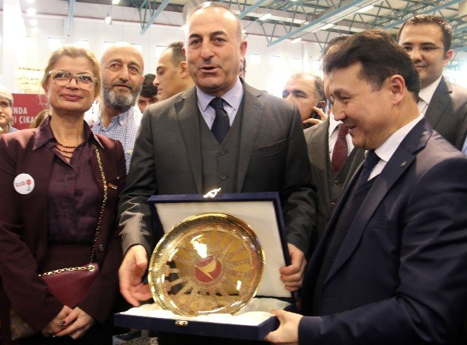 Bakan Çavuşoğlu'ndan Golf Şov