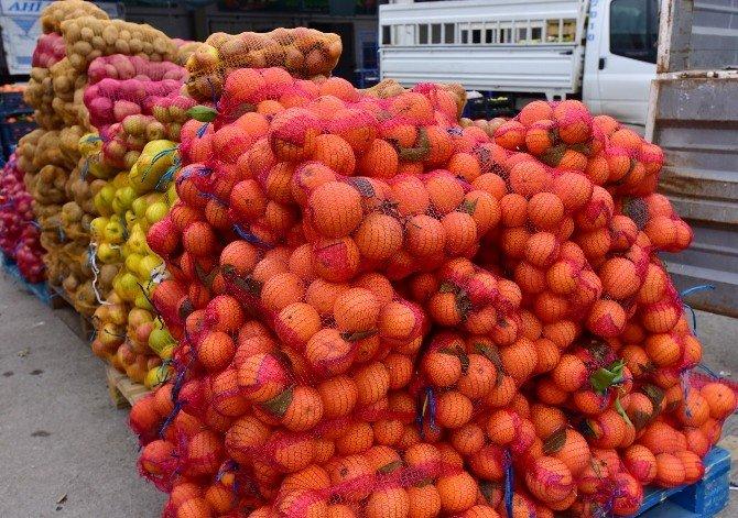 Güvenlik Güçlerine 2 Ton Sebze Ve Meyve Gönderildi