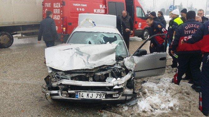 Düzce'de Kaza: 6 Yaralı