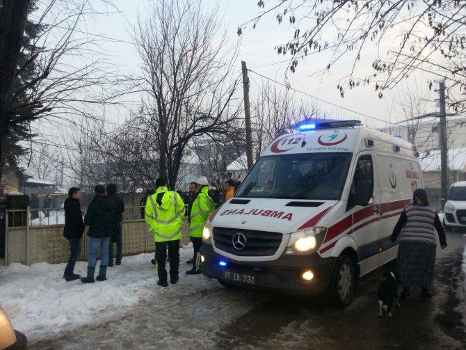 Düzce'de bir evde 3 kişi ölü bulundu