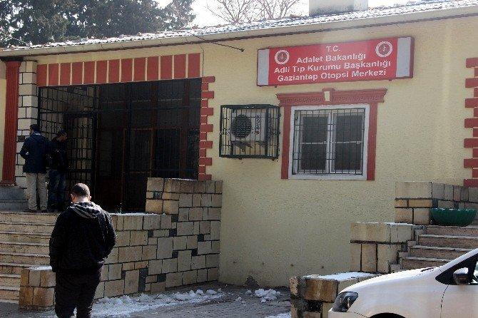 IŞİD'in Roketli Saldırısında Ölen Kız Öğrencinin Cenazesi Ailesine Teslim Edildi