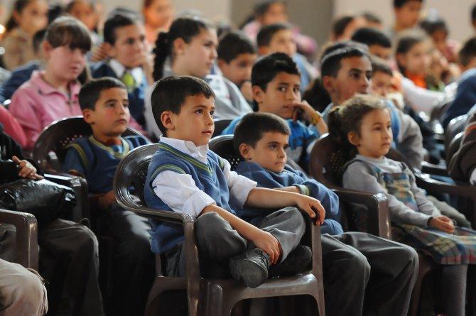İzmir Büyükşehir Belediyesi'nden yarıyıl tatilinde öğrencilere tiyatro