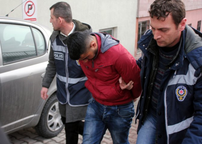 Kayseri'de eroinle yakalanan 4 kişi gözaltında