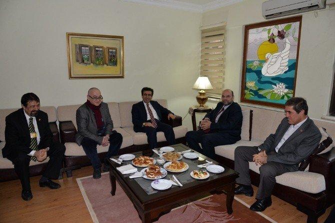 Vali Güzeloğlu, Yerel Basını Ziyaret Etti