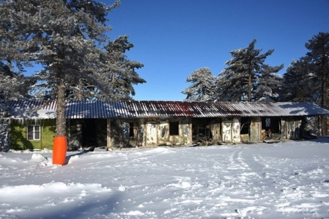 Yangında Zarar Gören Muratdağı Termal Kayak Merkezi Tesisleri Tekrar Yapılacak