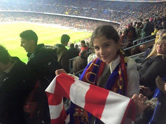 11 Yaşındaki Kız Dünyaca Ünlü Camp Nou Stadında Bilecikspor Atkısı Açtı