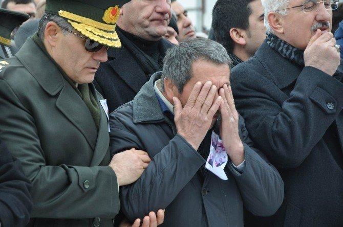 Şehit Astsubay Sivas'ta Son Yolculuğuna Uğurlandı