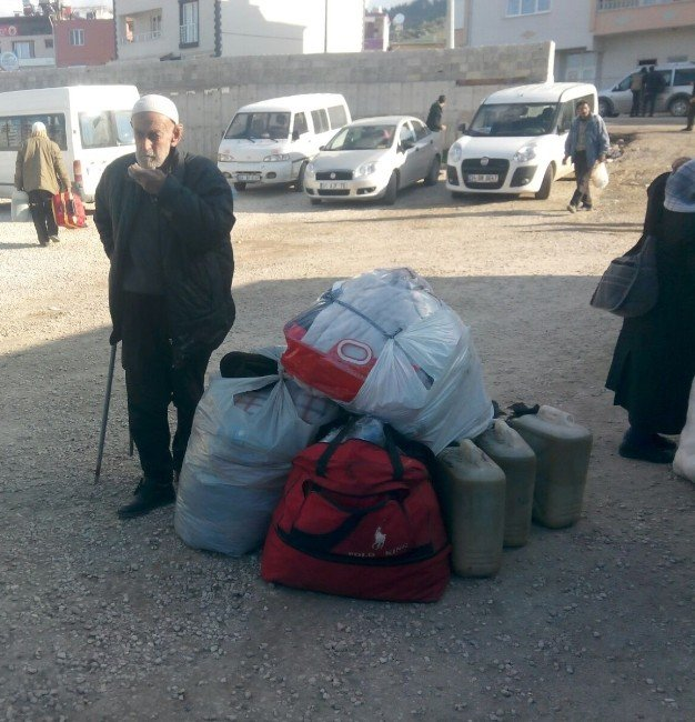 Sınırdaki Suriyeli Aileler, Yayladağı'na Getiriliyor