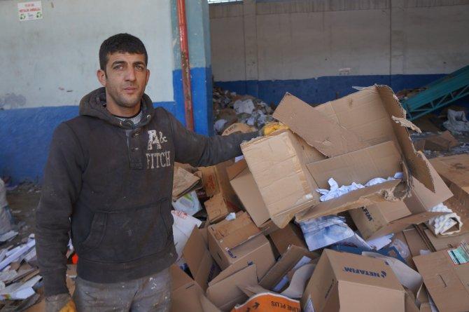 Terörden kaçan Tahir, kağıt toplayarak hayata tutundu