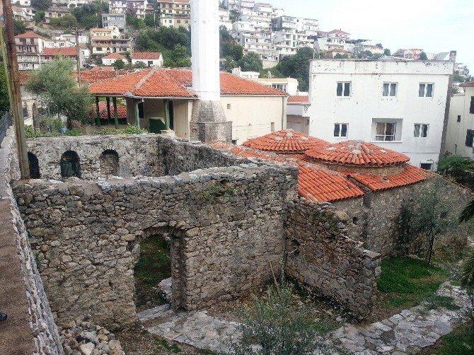 Karadağ'daki Dünya Mirası Osmanlı Hamamı TİKA Tarafından Restore Ediliyor