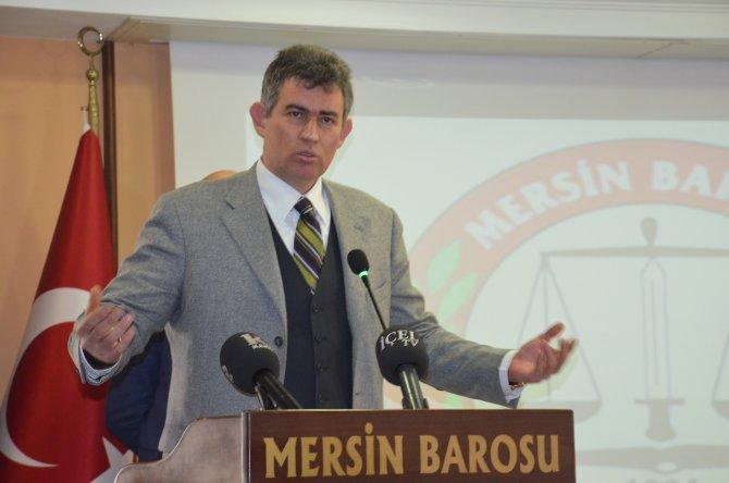 Barolar Birliği Başkanı Feyzioğlu'na alkışlı protesto