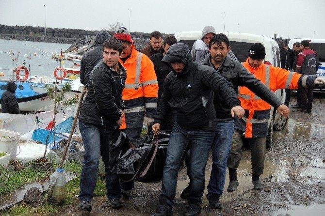 Samsun'da Bir Kişi Kayıkta Ölü Bulundu