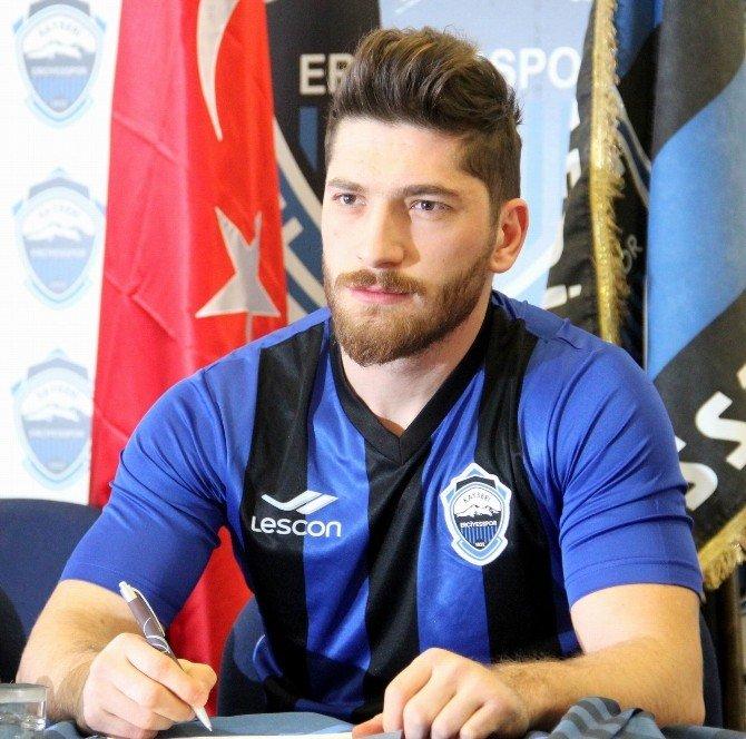 Kayseri Erciyesspor 6 Futbolcuyu Renklerine Bağladı