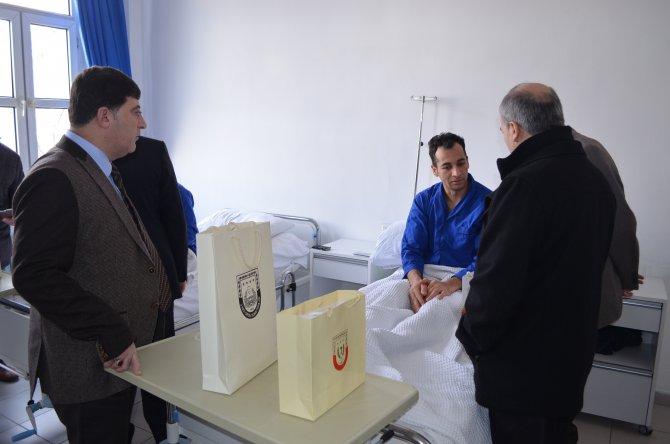 Bakan Ramazanoğlu, Sur'da yaralanan askerleri ziyaret etti