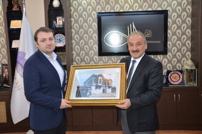 AK Parti Gençlik Kolları Genel Başkanı Melih Ecertaş Başkan Vekili Aydın'ı Ziyaret Etti