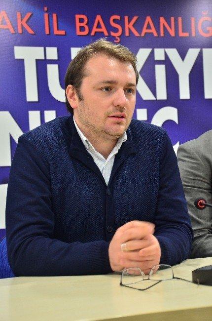 """AK Parti'li Ecertaş'tan Gençlere """"Sorumluluk"""" Çağrısı"""