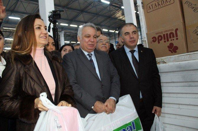 Türkmenlere Yardım Tır'ını Hotar Sürdü