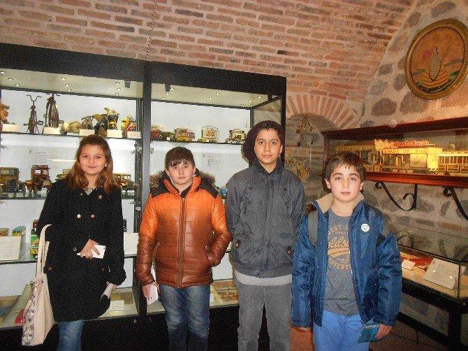 Çocuk Meclisi Üyelerinden Koç Müzesi'ne Ziyaret