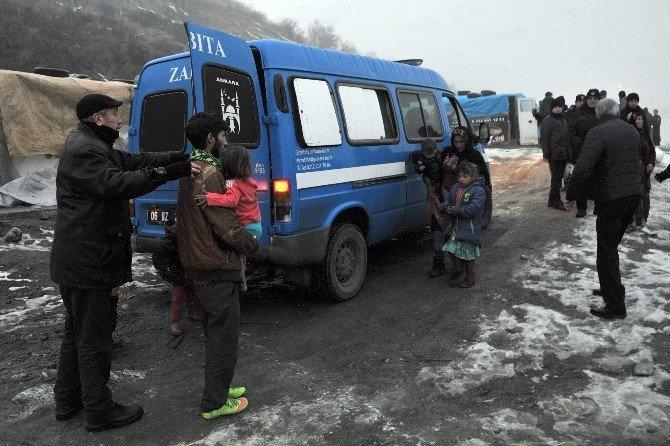Dikmen'de Çadırlarda Yaşayan Suriyeliler Tahliye Edildi