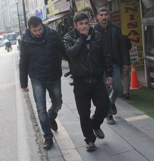 Polisten Hacı Bektaş Veli Derneği Baskınına Gözaltı