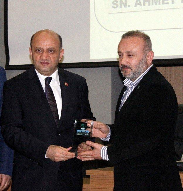 """Bakan Işık: """"Türkiye'nin Önündeki Mecburi İstikameti Bilim Ve Teknolojidir"""""""