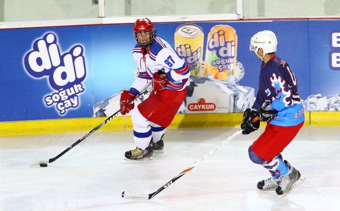 Buz Hokeyi Süper Ligi'ne iki maçla devam edildi