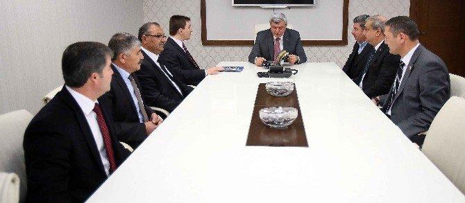 """Başkan Karaosmanoğlu, """"Tarihi Eserlerimiz Bize Emanettir"""""""