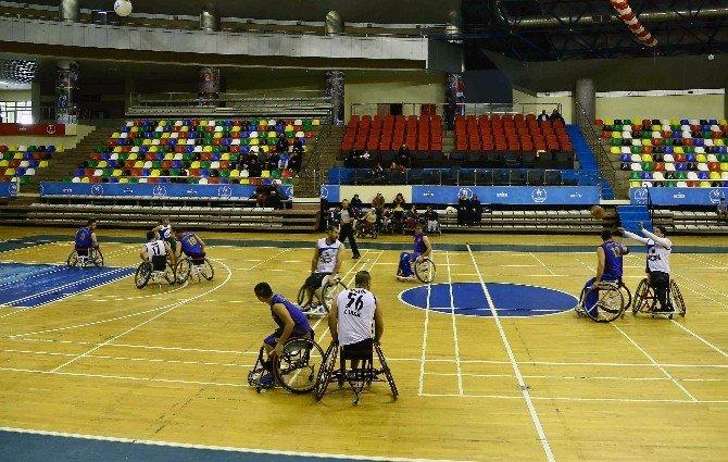 Bağcılar Belediyesi Engelli Basketbol Takımı Liderlik Koltuğuna Oturdu
