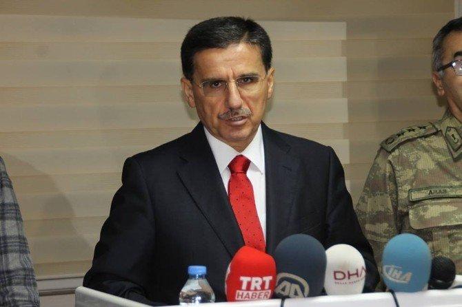 Suriye'deki Türkmenlerin Türkiye'ye Girişleri Devam Ediyor