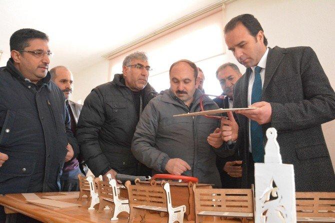 Kaymakam Erkan'dan El Sanatları Kursuna Ziyaret