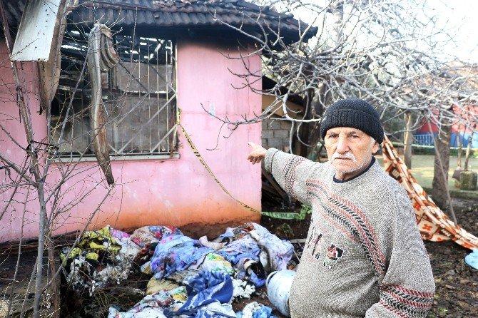 Antalya'da Ev Yangını: 2 Ölü