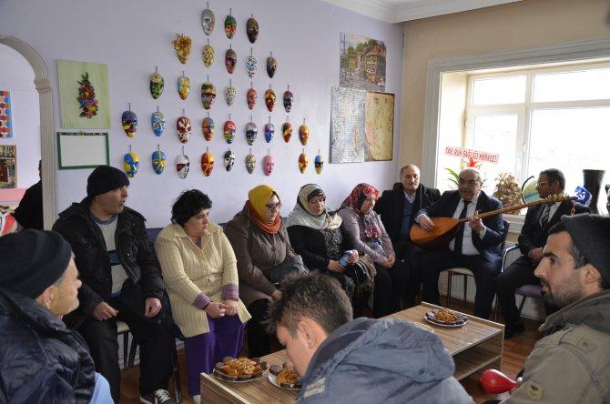 Ruh Sağlığı Merkezi çalışanları ve hastaları bir arada eğlendi